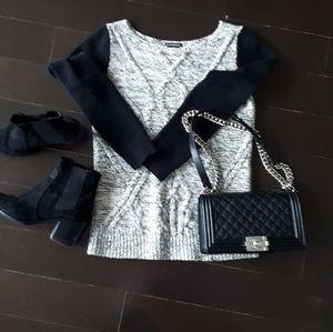 🌃Host Pick 🌃Club Monaco cashmere/wool swear GUC